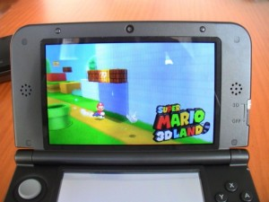 Nintendo 3DS XL con Super Mario 3D Land