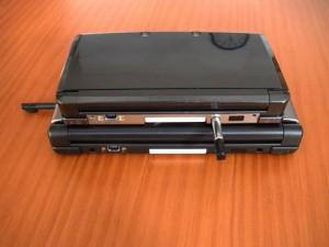 Nintendo 3DS XL frente a la 3DS por la parte posterior