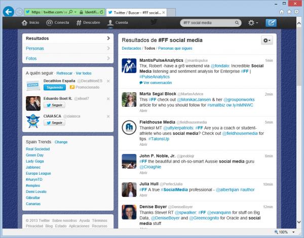 Buscando #FF social media en Twitter