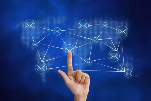 Crear cuentas de varias redes sociales con un único correo de Gmaol o Hotmail/Outlook