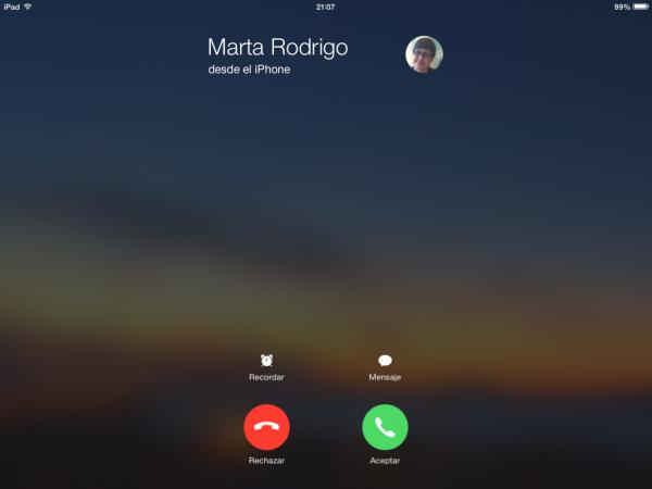 Llamada entrante de teléfono por Continuity en el iPad