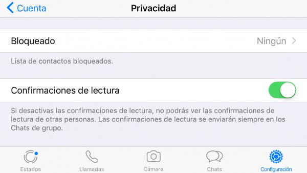 Cómo se desactiva el doble check azul (confirmación de lectura) en iPhone
