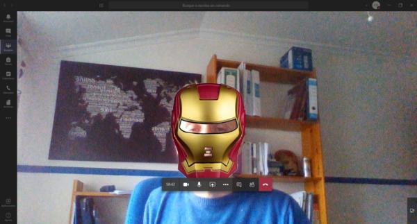 Aplicando un filtro de Iron Man de Snap Camera en una videollamada de Teams